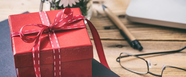 Meaningful Holiday Gifts for Employees